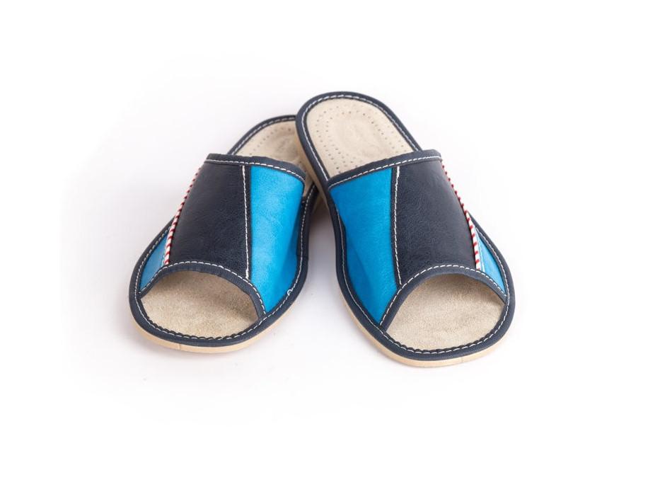 ea3f83ee353a ... ocení letní ortopedické papuče. Vrchní část je opatřena dírkami